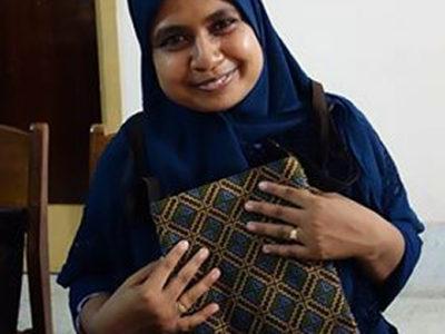 『織り人』バッグ、バングラデシュへ