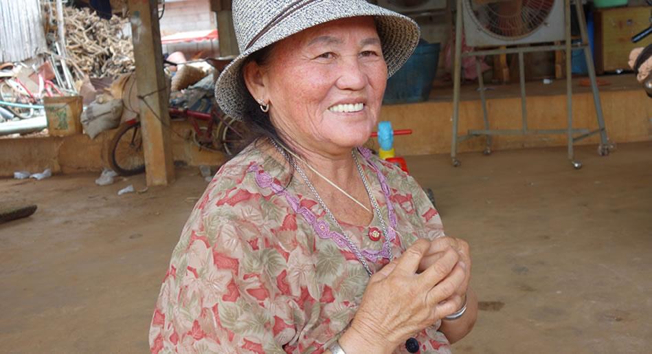 モン(Hmong)族の麻糸の御守り_織り人(Orijin)