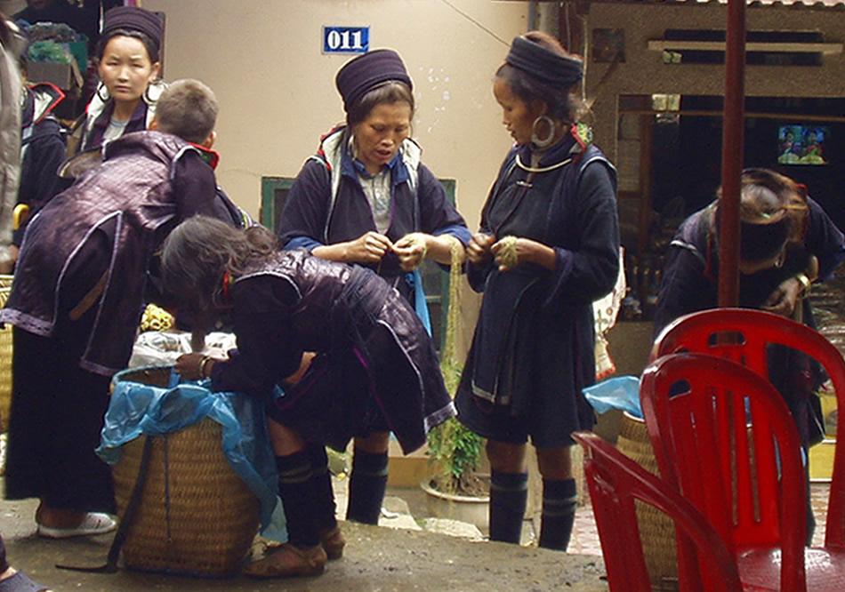 ベトナム黒モン(Hmong)族の麻糸づくり