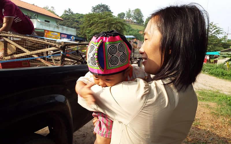 モン(Hmong)族の女の子の帽子